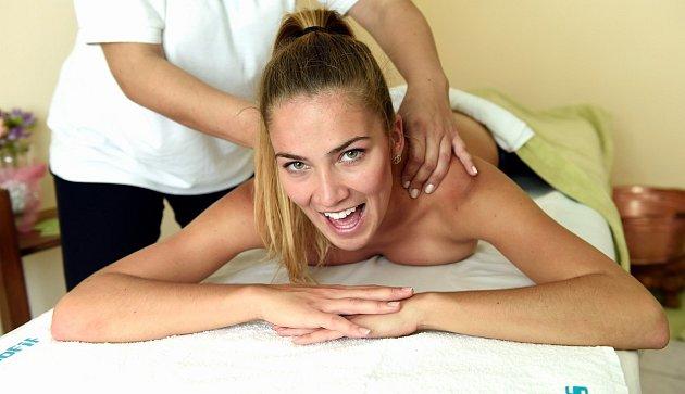 zakřivení sex masáž prsa