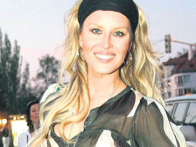 Krainová si na festival do Karlových Varů veze prsten a náušnice za pět milionů korun.