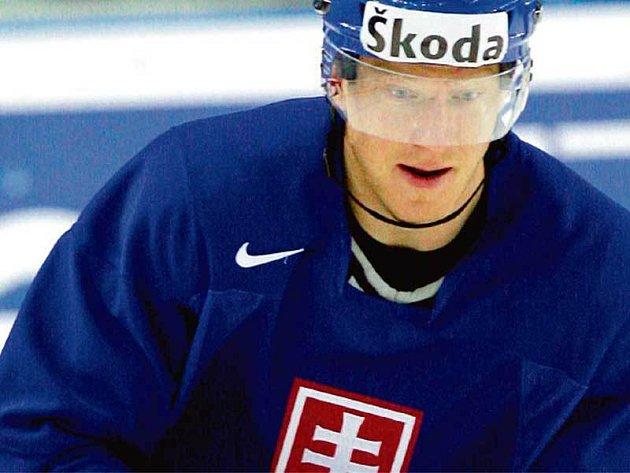 Marian Hossa se přijel do Moskvy odreagovat z vyřazení v NHL, odkud jeho Atlantu vypakovali Jágrovi Rangers.