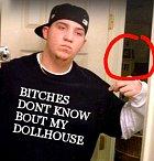 Nikdo neví o tvém domečku pro panenky? Ne neví, jasně, že neví