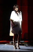Ewa Farna v bílem kabátku