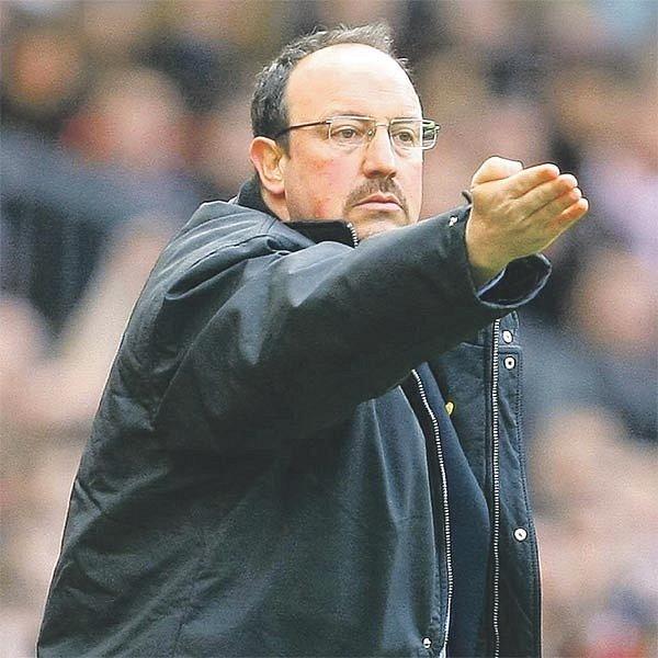 Benítez po měsících vyjednávání podepsal minulý týden kontrakt, který ho zavazuje trénovat Liverpool do roku 2014. Fanoušci šílí štěstím, odborníci krok majitelů chválí.