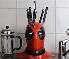 Deadpool jako držák na nože. Pro milovníky komiksů ideální.