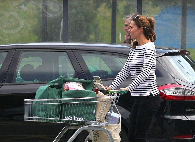 Kate si vyrazila na nákup