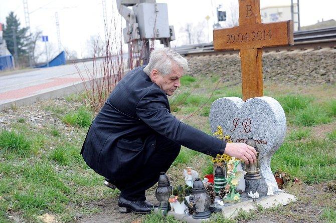Rychtář u kolejí, kde si Bartošová vzala život.