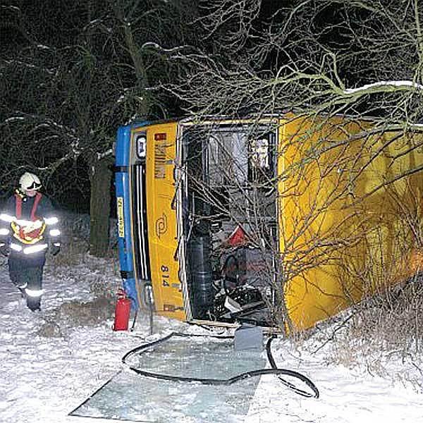 Řidič nechtěl nehodu komentovat. Podle svědků jel ale příliš rychle.