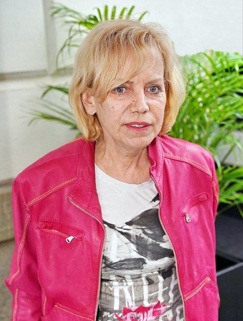 Vyhublá Hana Krampolová se po příletu do Tuniska vrámci soustředění soutěže Muž roku jevila jako přízrak a od první večeře, které se účastnila spolu sDádou Patrasovou, Zuzanou Bubílkovou nebo Katkou Kornovou, ji už nikdo neviděl.