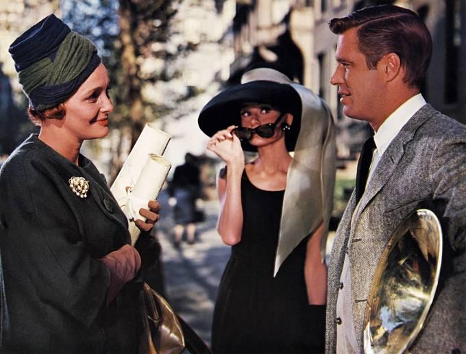Patricia, Audrey Hepburnová aGeorge Peppard. Hlavní trojka zfilmu Snídaně uTiffanyho (1961).