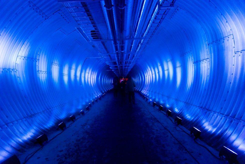 Vítejte vledovém království. Vstupní tunel došpicberské semenné banky.