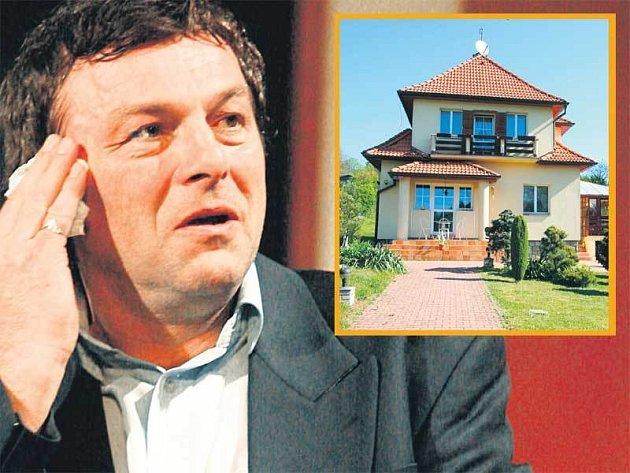 Pavel Trávníček a jeho Vila v Mnichovicích, která má dnes hodnotu 12 milionů korun.