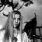 Hlavní roli ve filmu Markéta Lazarová ztvárnila devatenáctiletá Magda Vášáryová.