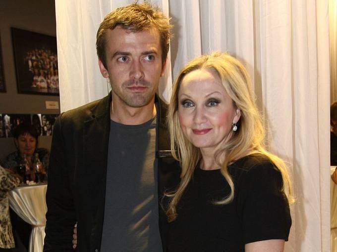 Bára Basiková s manželem