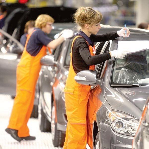 Automobilový průmysl krize zasáhla nejvíce.