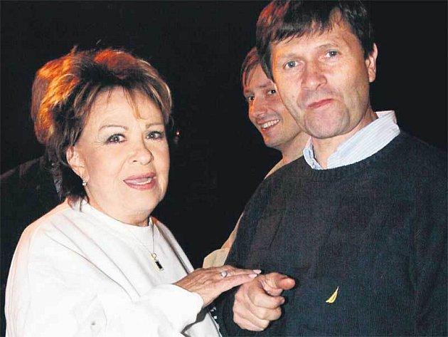 Jan Hrušínský si s Jiřinou Bohdalovou měli o čem vyprávět!