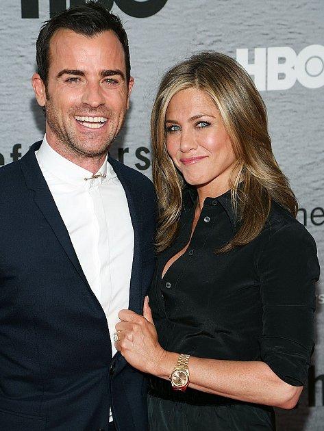 Jennifer Aniston prý konečně dotáhla Justina Therouxe koltáři.