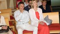 Pro Janka Ledeckého je jeho rodina velmi důležitá, s manželkou Zuzanou mají dvě dospělé děti, Ester a Jonáše.