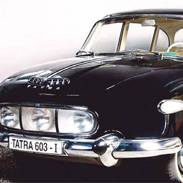 Lidé rozhodnou, zda se v ulicích objeví replika proslulé Tatry, kterou jezdili politici.