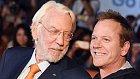 Herec Donald Sutherland se svým synem taktéž slavným hercem Kieferem. Podoba je značná.