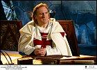 Odsouzeného velmistra si vcyklu Prokletí králové (2005) zahrál   Gérard Depardieu.