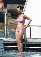 Katy Perry si australské sluníčko užívá v plavkách...