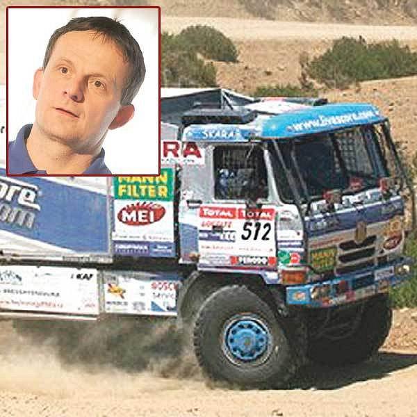 Tomečkova tatra letošní Rallye Dakar nedokončí, hlavně že je její šéf po karambolu v 9. etapě v pořádku.