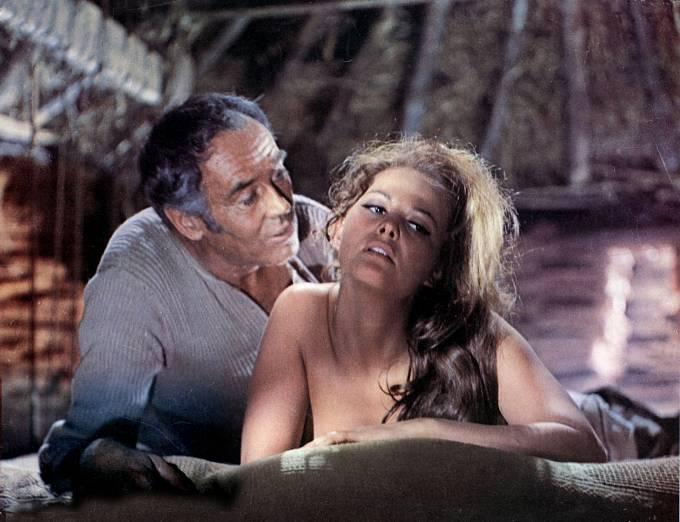 Nejslavnější roli si střihla ve westernu Tenkrát na Západě.