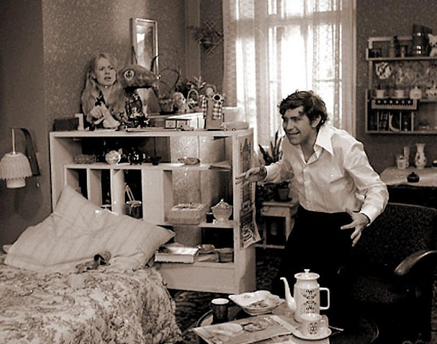 Legendární scénka zfilmu Drahé tety a já.