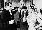 SCary Grantem (vlevo) vefilmu Dejte jim zamě pusu (1957).