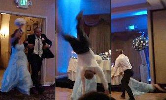 Manželský pár si nakonec užil svatební noc na pohotovosti.