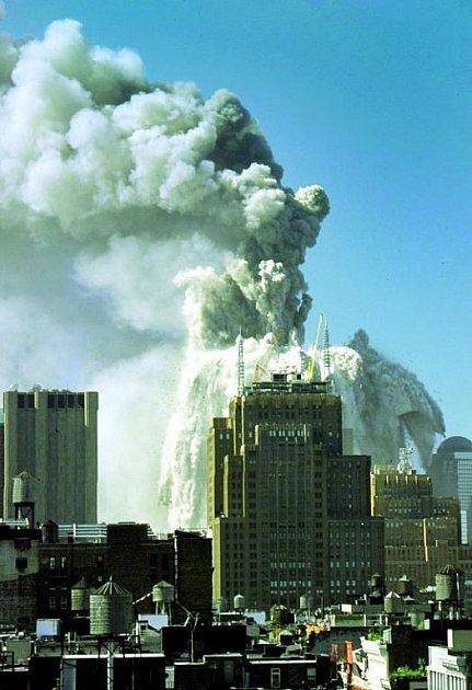 Zkdysi nejvyšších budov světa zbyly jen trosky.