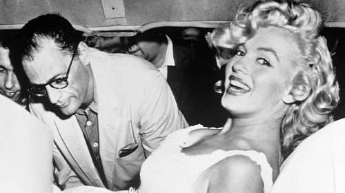 Marilyn Monroe se svým třetím manželem Arthurem Millerem