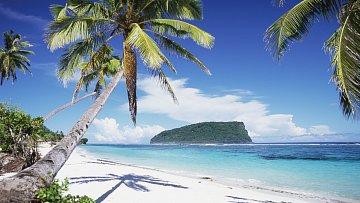 Samoa je sopečného původu a lemují ji korálové útesy. Vnitrozemí je hornaté, nejvyšší hora Mauga Silisili má 1858m. Žije zde téměř 200 tisíc obyvatel ahlavním městem je Apia.
