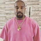 Rapper Kanye West přinesl domů své manželce Kim K 150 mil. dolarů (3.4 mld. kč), které může rozfofrovat za kabelky