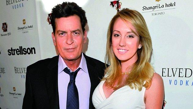 Charlie Sheen a Scottine Rossová