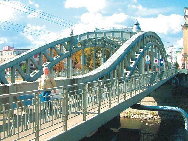 Sýkorův most, lidově Sýkorák, možná již letos změní své jméno.