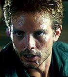 Kyle Reese je vyslancem lidí z budoucnosti. Poslal ho John Connor, syn Sarah, který vede válku. V průběhu filmu se dozvídáme, že je nejen vyslancem Johna, ale také jeho otcem. Se Sarah se sblíží a počnou spolu zachránce lidí.