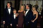 Celá rodinka pohromadě. Goldie sKurtem avšemi svými dětmi. Zleva: Oliver, Wyatt aKate.