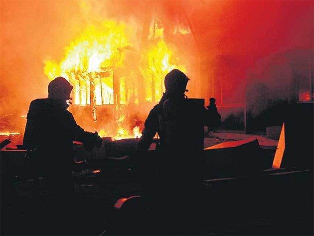 Ubytovnu zachvátily plameny