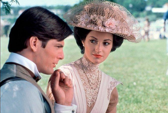 Vromantickém fantasy Kdysi dávno (1980) si zahrála vChristopherem Reevem.