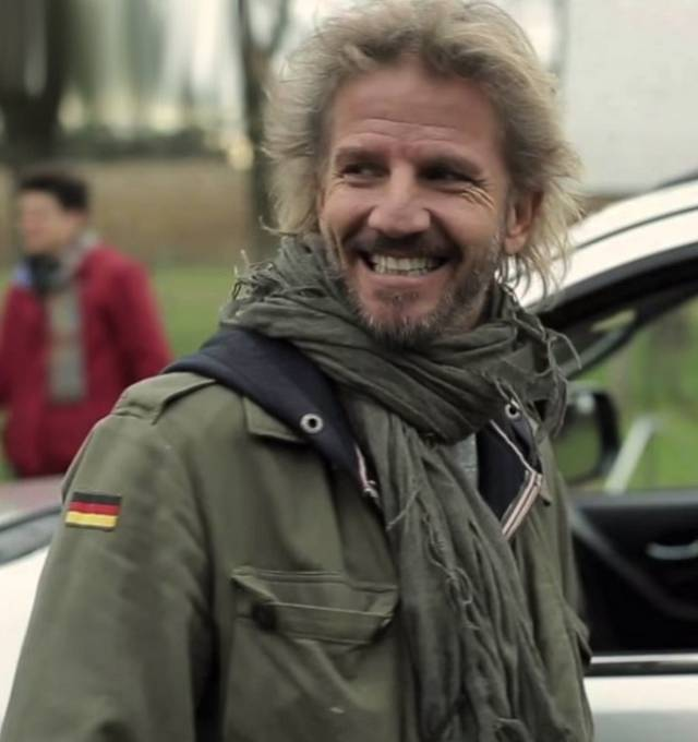 Facundo Arana, muž jehož jméno pravidelně vyloudí úsměv na každé tváři. Rysy má pořád pěkné, jen vypadá trochu jako bezdomovec... S Natálií se potkal před pár lety v telenovele Jsi můj život.