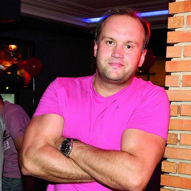 Vít tvrdí, že poskytl policii všechny důkazy o tom, že Čejková si napadení vymyslela.