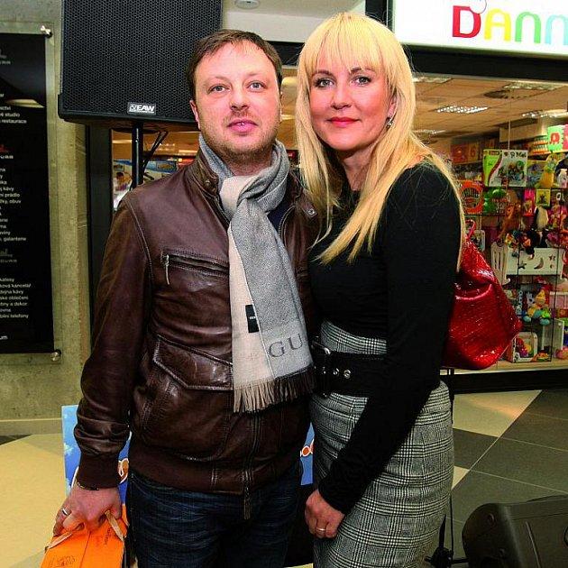 Vendula Svobodová s manželem Patrikem Aušem