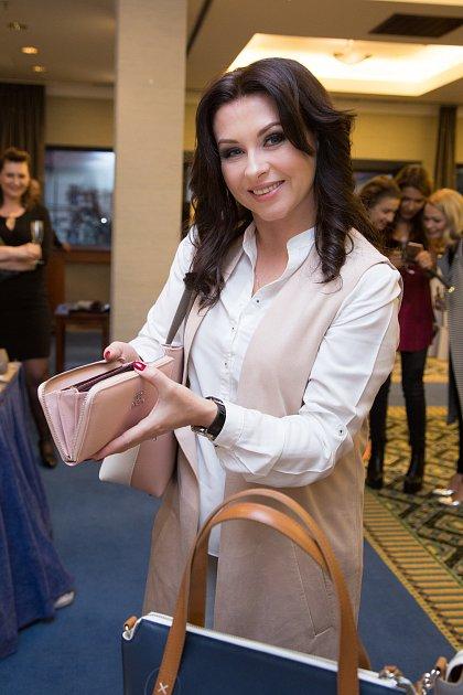 Herečka Dana Morávková má vlastní kolekci kabelek.