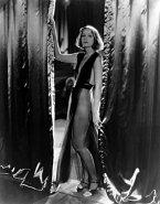 Jako vyzývavá Mata Hari ve stejnojmenném filmu z roku 1931.