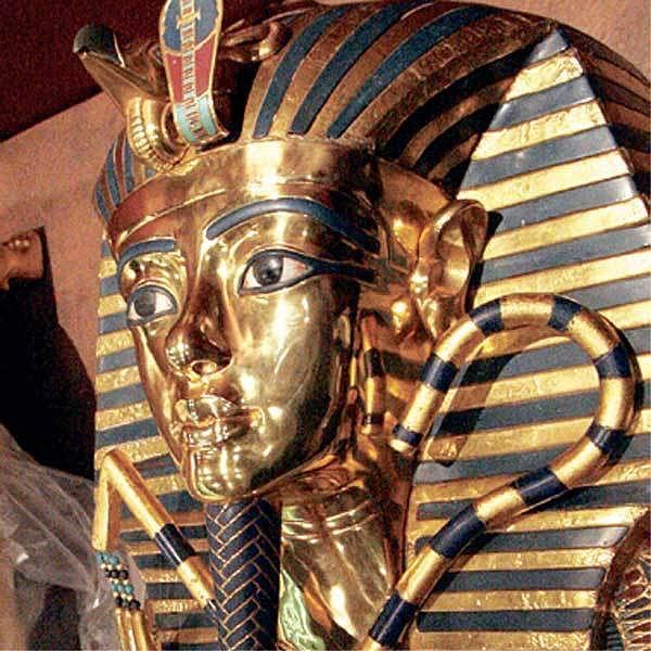 Sarkofág, ve kterém byl pohřben faraón Tutanchamon.