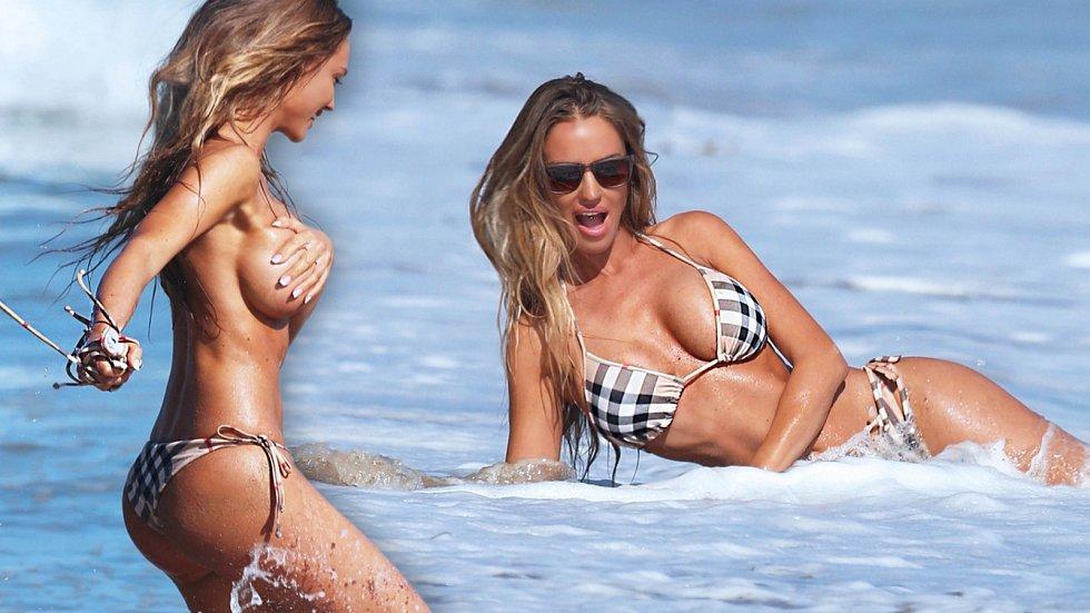 Sexy modelku překvapila vlna a plavky šly dolů...