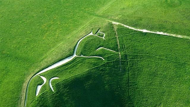 Uffingtonská hillfigura je bezesporu nejstarším koněm na světě. Od konce 19. století je udržována každých sedm let.