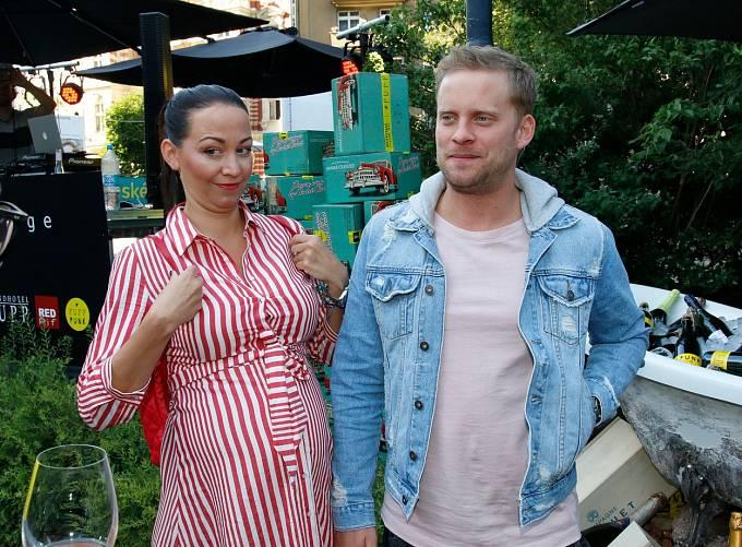 Po rozvodu s Jakubem Prachařem se Hanychové ve vztazích příliš nedaří