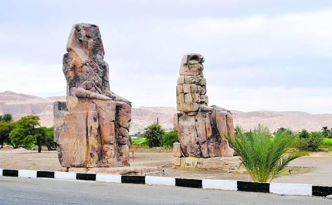 Luxor, místo mumiím zaslíbené. Pochází odtud také Irtyersenu?