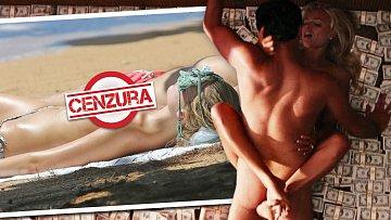 Divokou erotiku před kamerou vystřídala romantika na pláži...